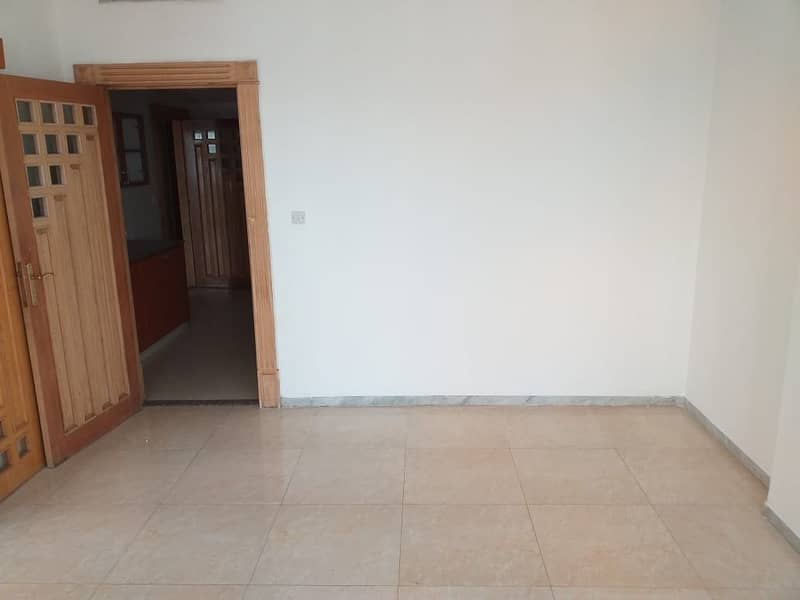 Good for sharing 3bhk with maids room 68k on salam street