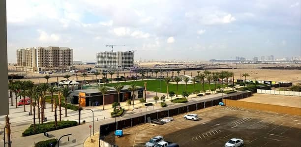 شقة 2 غرفة نوم للبيع في تاون سكوير، دبي - Furnished I Next to Park and Grocery I 9% ROI