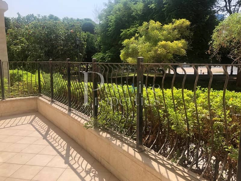 Bright And Spacious / garden view / Huge Balcony