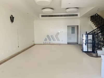 فیلا 4 غرف نوم للايجار في الراشدية، دبي - فیلا في الراشدية 4 غرف 100000 درهم - 4787554