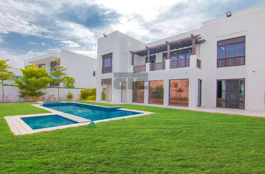 2 6 Bedroom Modern Arabic | Upgraded and Landscaped