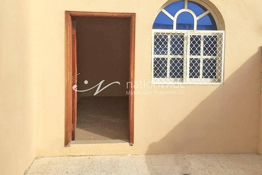 2 Spacious Villa with Maid's Room and Garden