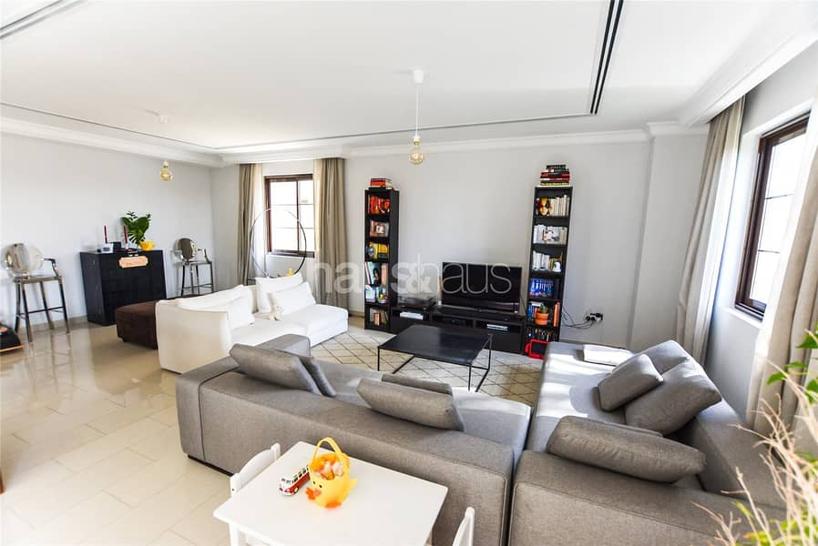 2 Immaculate | Type 6 | Single Row | 4 Beds