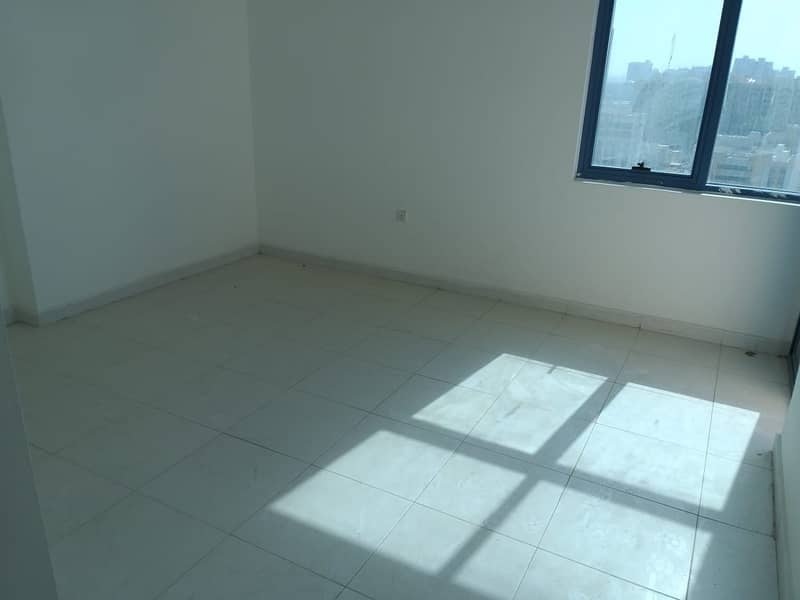 Ready to Move in Sea View 3 BHK for SALE in Falcon Tower