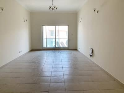 Spacious 2 Bedroom | 6 Cheques | Huge Kitchen