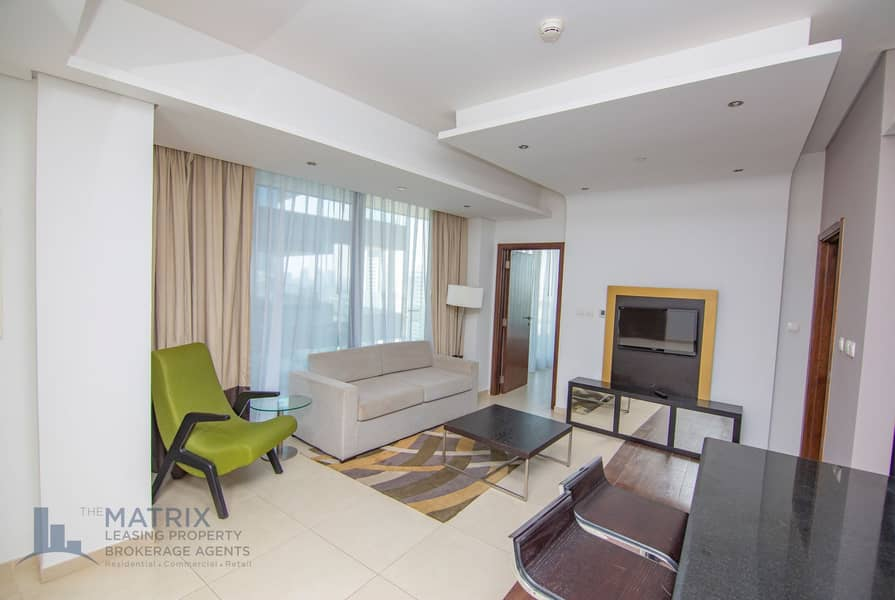 2 Fully Furnished   Immaculate   Luxurious Unit