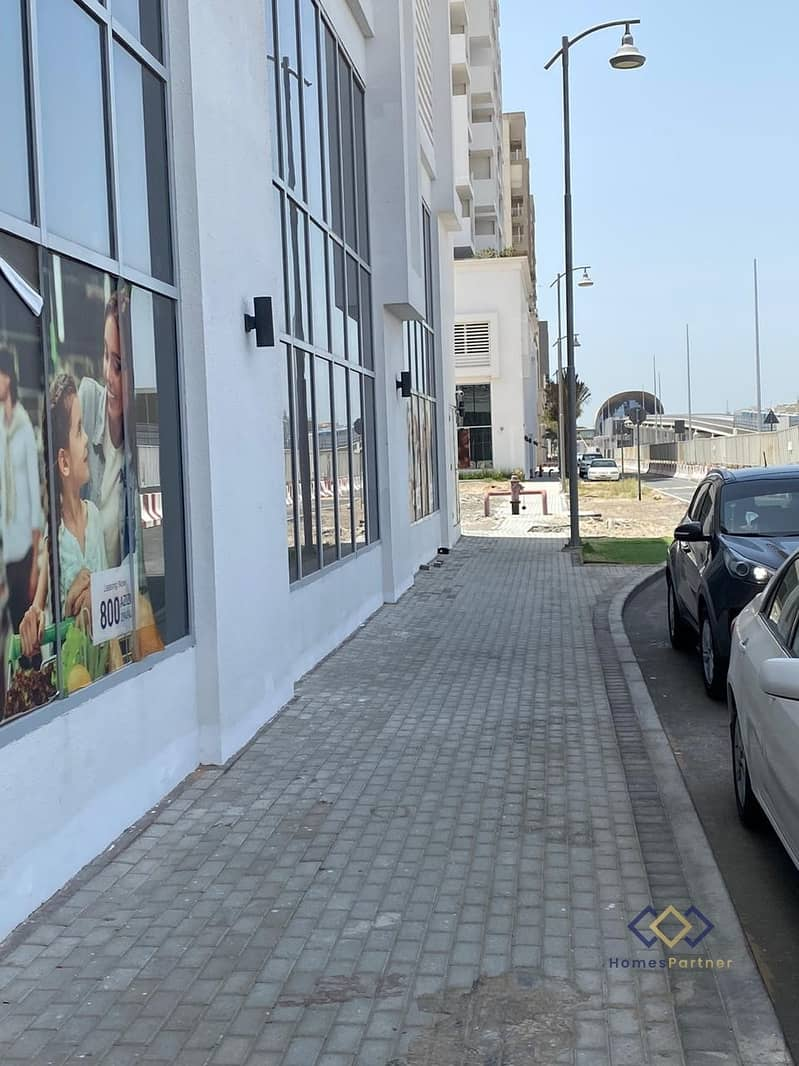 8 Ready Retail | Main Road | No Commission