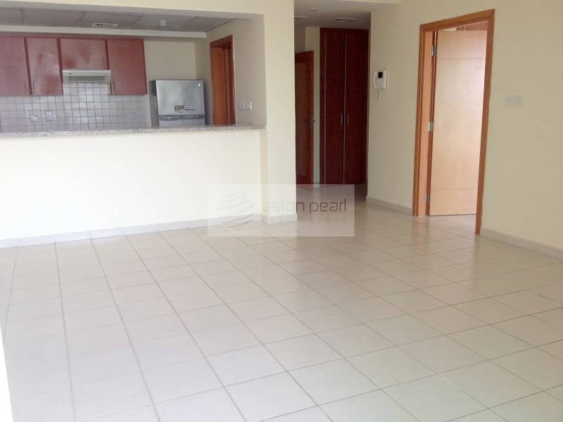 2 Well Maintained 1BR | Race Course View| Vacant Now
