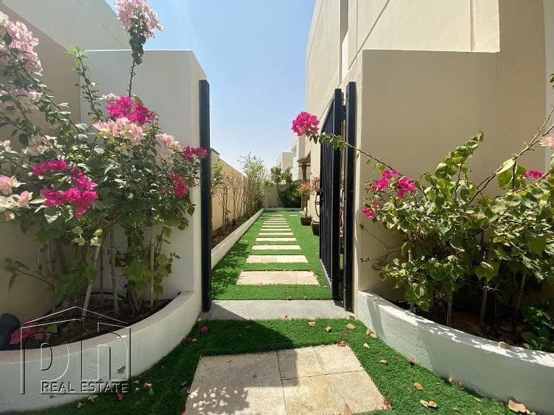 10 4 Bed | Landscaped | Single Row | Park Backing