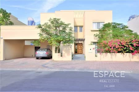 4 Bedroom Villa for Rent in The Meadows, Dubai - Well Maintained | Close To Park | Vastu