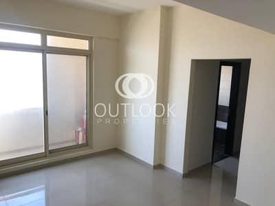 2 Bedroom Flat for Sale in Dubai Sports City, Dubai - Unfurnished 2BR | Golf View | Urgent Sale