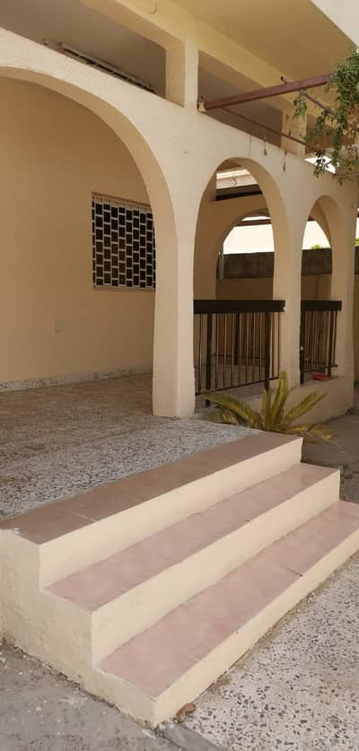 villa for rent in al jazzat sharjah  (45k)