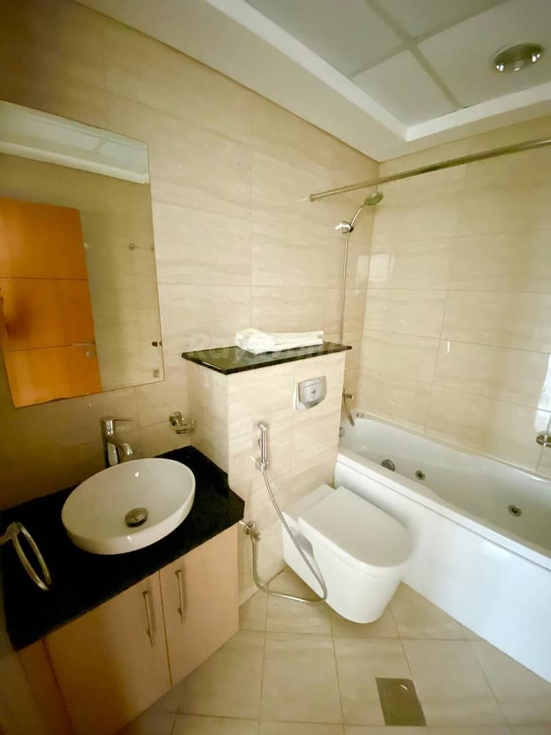 21 Spacious Modern 2 BRs I Stunning Sea and City View