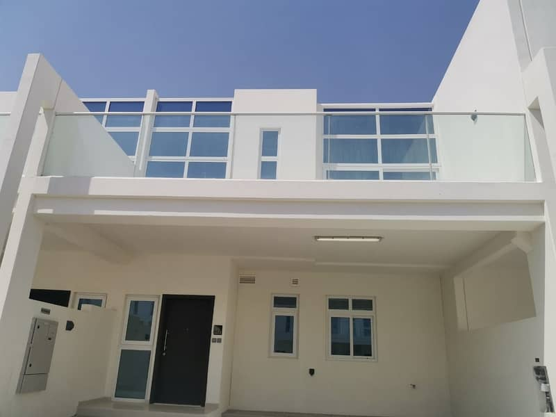13 Brand New Fully Furnished | Spacious Living Room | 4br