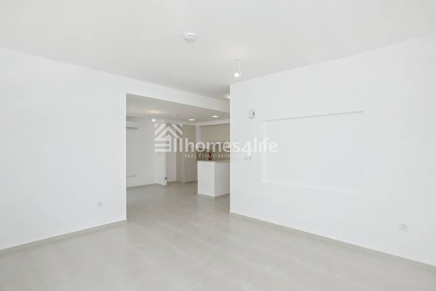 Townhouse Excellent Layout | Ready to Move In