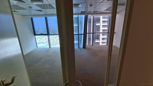 مکتب  للبيع في أبراج بحيرات الجميرا، دبي - FITTED | OPEN PLAN | LAKE VIEW
