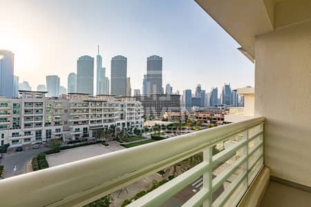 3 Bedroom Flat for Rent in Jumeirah Heights, Dubai - Cozy Duplex Apt plus Maids Room