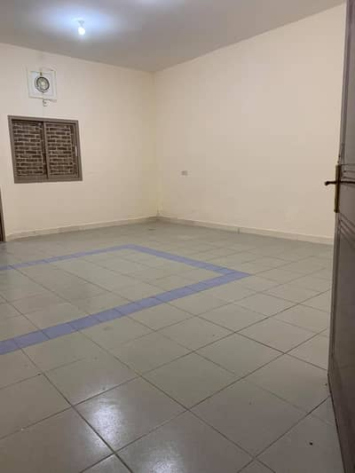 AL MUSHRIF COMPOUND 27 VILLA 50 ROOM 3