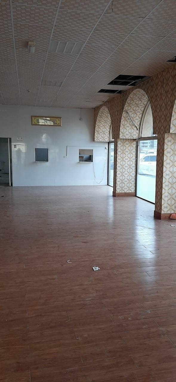 SHOWROOM  for rent   -  abu shagarah   - prime location  2