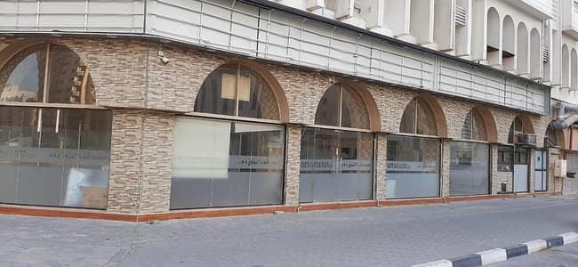 محل تجاري  للايجار في أبو شغارة، الشارقة - 700 sqft
