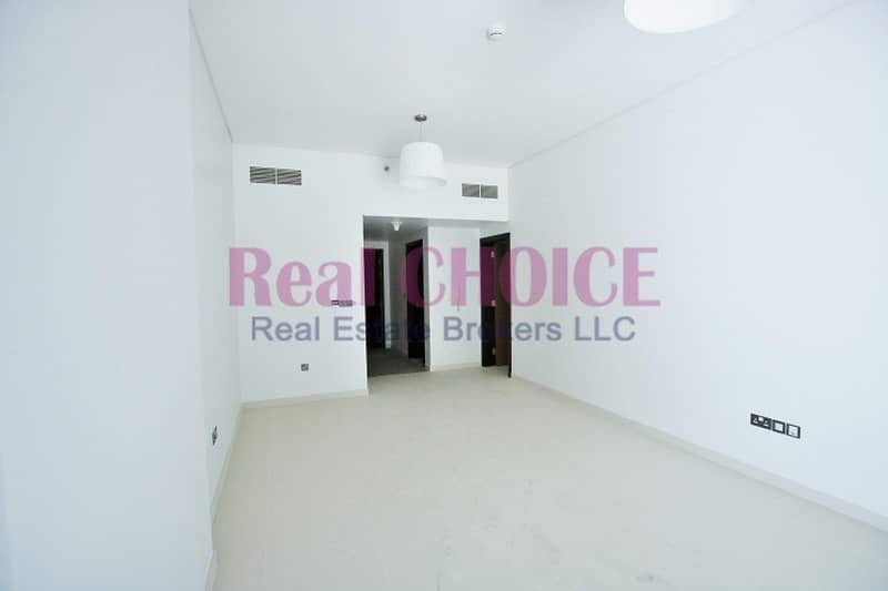 Nice Layout|1BR Plus Store Apartment|4 Cheques