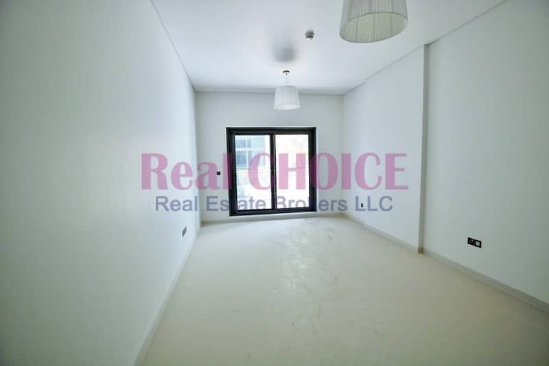 2 Nice Layout|1BR Plus Store Apartment|4 Cheques