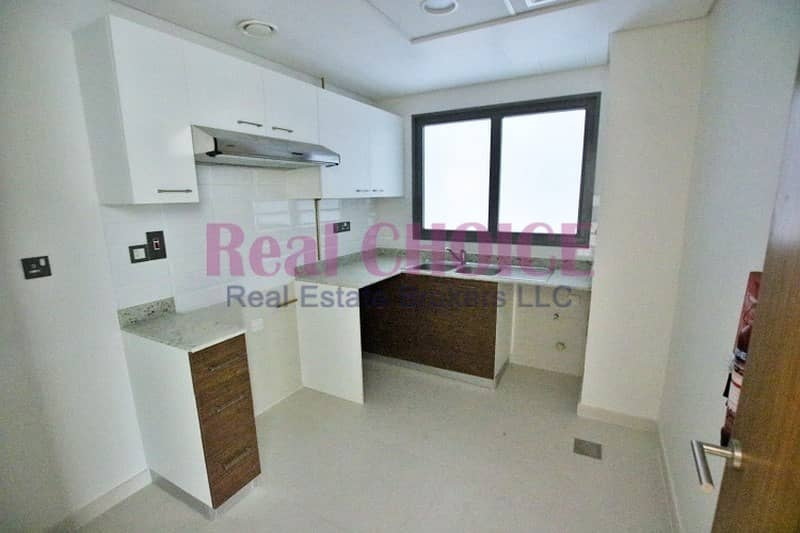 15 Nice Layout|1BR Plus Store Apartment|4 Cheques