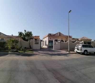 4 Bedroom Villa for Rent in Jumeirah, Dubai - Large Luxurious  | Independent 4 B/R Villa | Ground floor villa