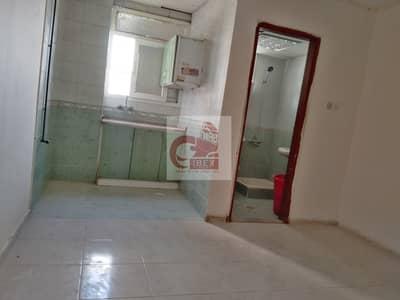 No-Commission no-deposit Seprate kitchen Studio just 10k on the road Muwaileh