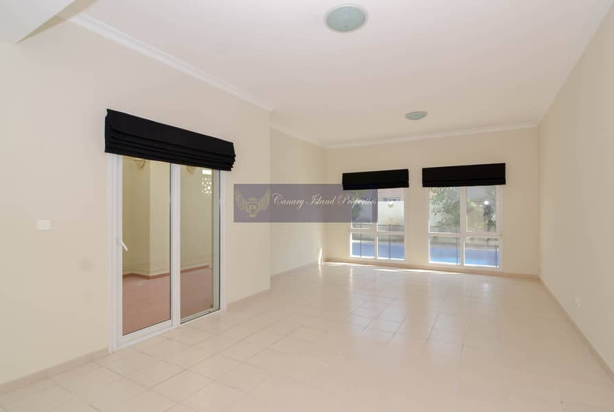 2 New Kitchen | Private Pool | 4 Bed | Vacant