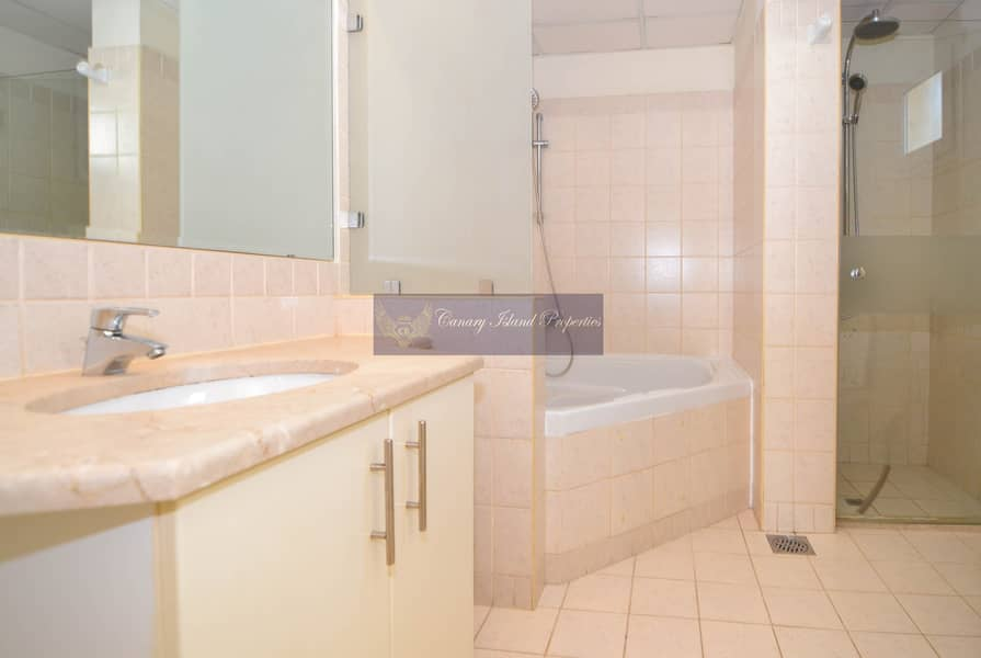14 New Kitchen | Private Pool | 4 Bed | Vacant