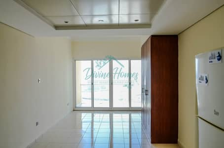 Studio for Rent in Jumeirah Lake Towers (JLT), Dubai - Close to Metro | Equipped Kitchen | Parking | Balcony