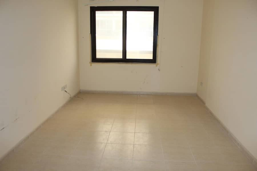 Spacious 2 bedroom | Balcony | Flexibility in cheques