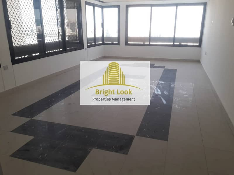 Clean and Affordable 3 BHK with Balcony  60