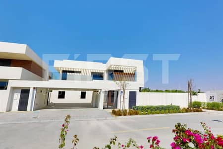 5 Bedroom Villa for Rent in Yas Island, Abu Dhabi - Rent Here! Superb Corner Single Row Villa.
