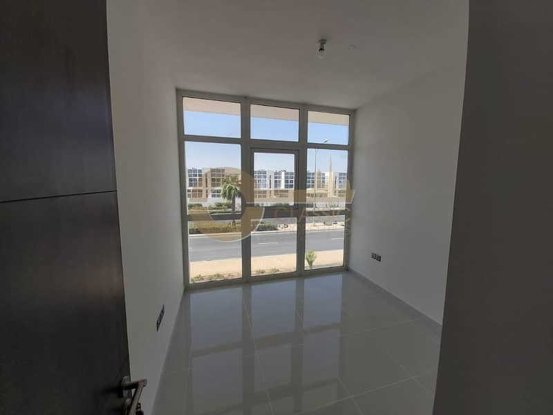 Hot Deal  3bedrooms  Ready to move in