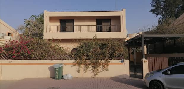 4 Bedroom Villa for Rent in Jumeirah, Dubai - OFFER PRICE | Huge Semi-Independent 4 B/R Villa | Maid Room | outstanding quality