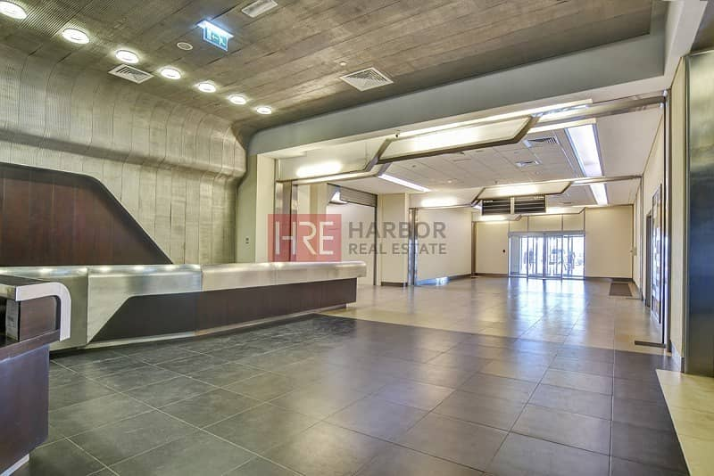 14 Only AED 120/- sqft | High Rise Office Tower