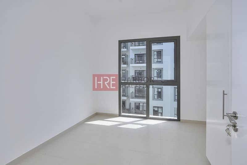 Modern 1 Bedroom |  Zahra Breeze | Town Square