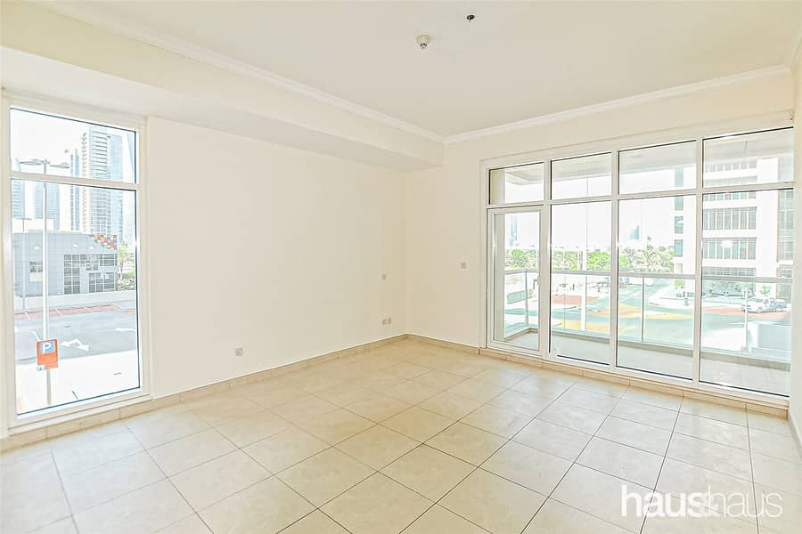 Spacious and Bright Unfurnished 2 Bedroom