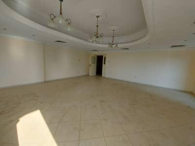 شقة 3 غرف نوم للبيع في المجاز، الشارقة - شقة بسعر لقطه وموقع مميز