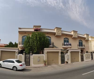 3 Bedroom Villa for Rent in Mirdif, Dubai - Spacious & Well Maintained     3 B/R    Swimming Pool    Semi Independent