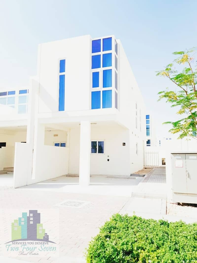 BAUTIFUL FURNISHED 3BED+M IN AKOYA OXYGEN