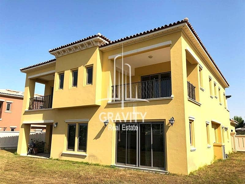2 HOT DEAL!! Stand Alone Villa W/ Great layout