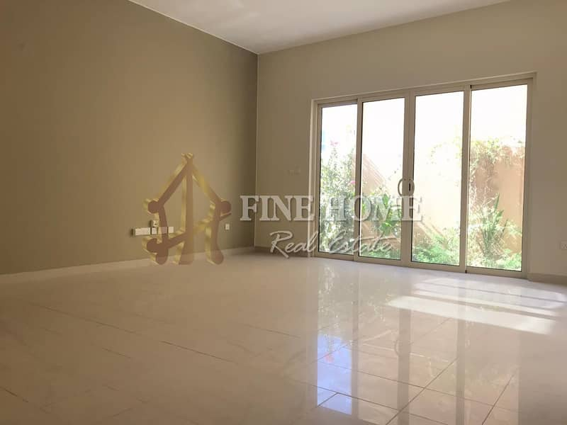 2 Huge Townhouse in Muzera with great facilities!