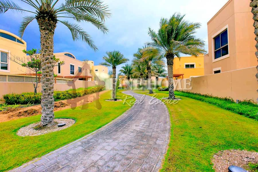 19 Huge Townhouse in Muzera with great facilities!