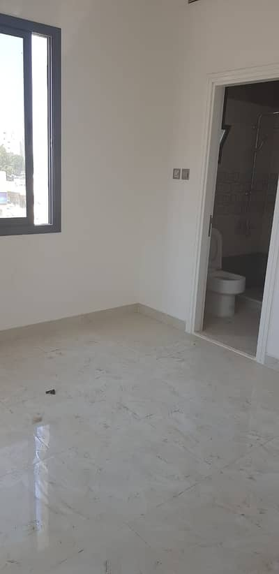1 Bedroom Apartment for Rent in Ajman Downtown, Ajman - For annual rent in Ajman, Al Rashidiya, building of the first inhabitant of a room and a hall, 2 bathrooms, a room of Mr.