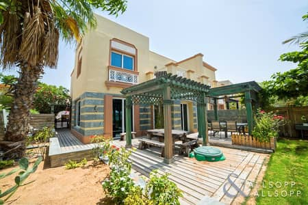 3 Bedroom Villa for Sale in The Springs, Dubai - Fully Upgraded | Big Lake View | Exclusive