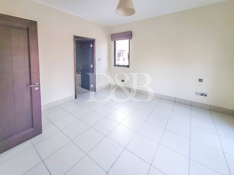 10 UNFURNISHED | WALK IN WARDROBE | BURJ VIEW