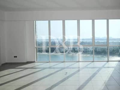 3 Bedroom Apartment for Rent in Palm Jumeirah, Dubai - Marina View | Huge Terrace | Great Location
